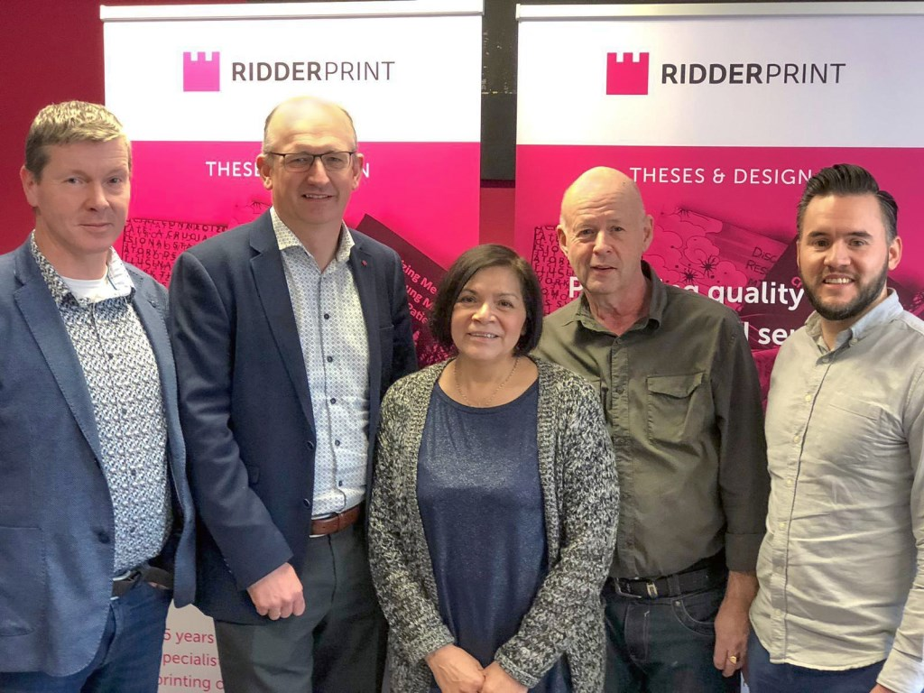 • Alexander Bot, Arjan Verloop, Gina, Herman en Robert Kanters.