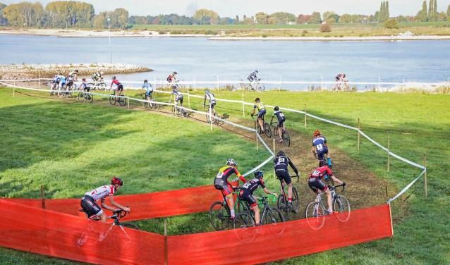 • De uiterwaardencross in oktober was een succes.