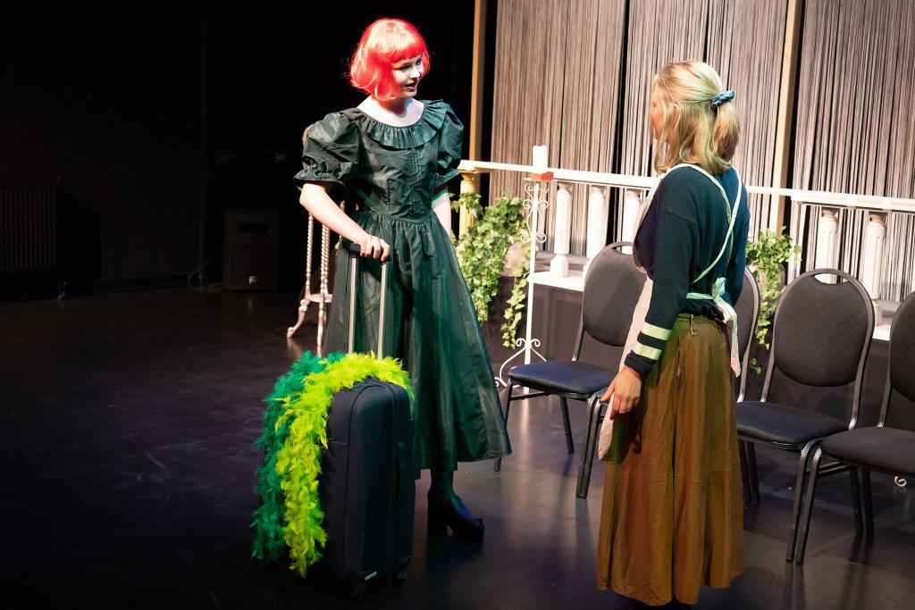 Jongerengroep van Theatergroep La Troupe speelt Prins Charming Foto: Nico Van Ganzewinkel © Leerdam