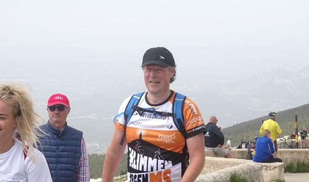 • Henry Dijk tijdens een eerdere beklimming van de Mont Ventoux.
