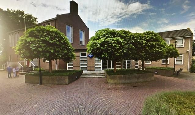 • Het gemeentehuis in Lopik.