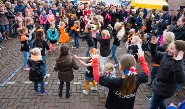 • Het kinderfeest tijdens Koningsdag 2016 in Vrijstad Vianen.