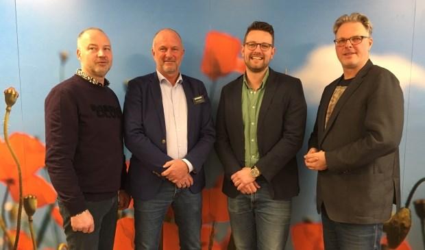 • V.l.n.r. Marc Janssens (Coop), Gerrit van Bruchem (Jumbo), Sander Goossens (AH) en Hans van Kooten (citymanager).