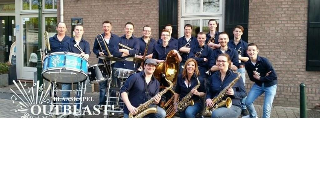 • De band Outblast speelt carnavalsmuziek onder de naam 'Foutblast'.  Foto: aangeleverd © Bommelerwaard