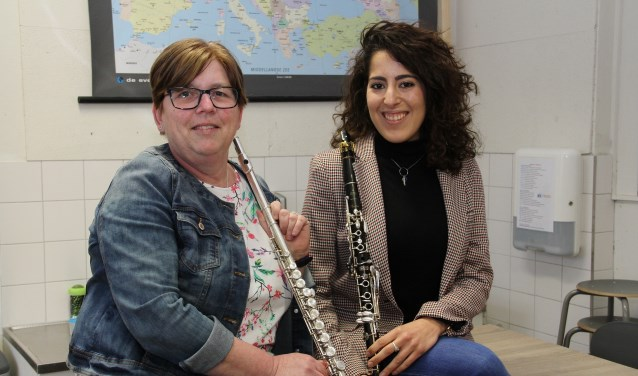 • Marianne (links) en Desirée maken al sinds hun kindertijd muziek.