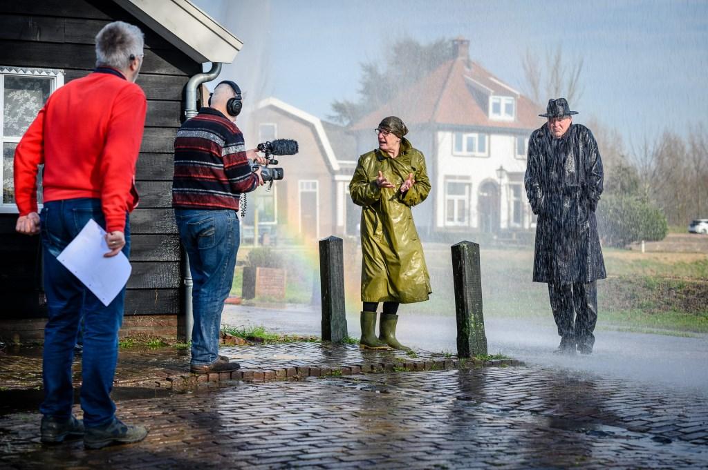 Opperste concentratie bij regisseur Peter Meijer. Foto: Erik Jansen © Alblasserwaard