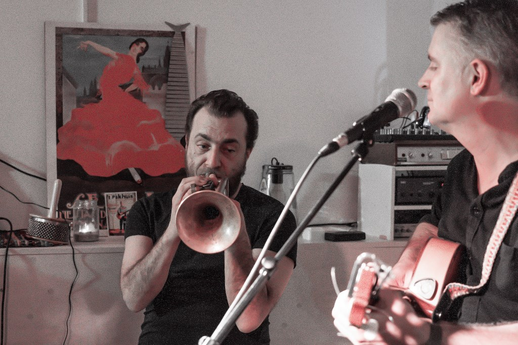 Trompettist Dominic Ntoumos speelt in het Pakhuis Foto: Nico Van Ganzewinkel © Vianen