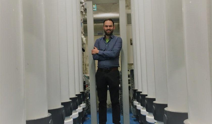 • Michiel Alexander de Raaf op bezoek bij een pharmafilter-installatie.