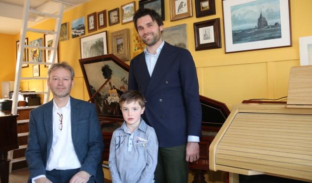 • V.l.n.r. Sietse van Wijgerden, zoon Jochanan en vader Marcel van der Poel.