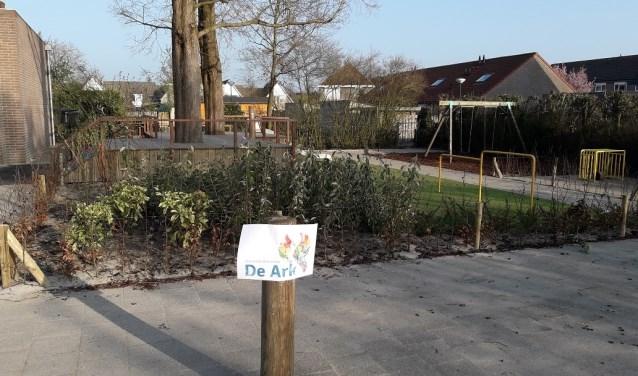 Het vernieuwde schoolplein van De Ark in Meeuwen.
