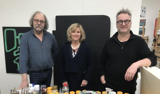 • Vlnr. René van Dam, Gerda Elfring en Kees van de Wal zijn de initiatiefnemers voor het Kunstrondje Zaltbommel.