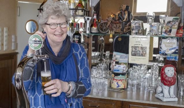 • Truus Ligchaam, al vijftig jaar het gezicht van café-slijterij De Roode Leeuw.