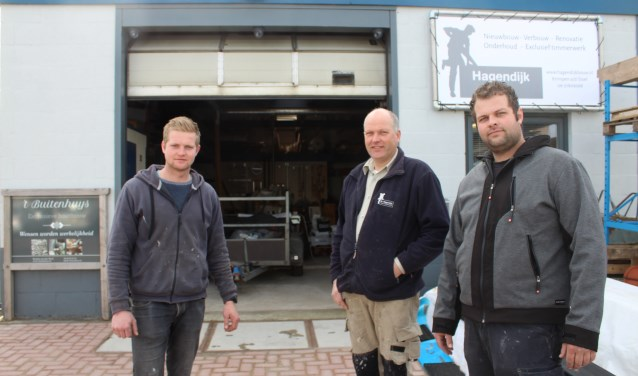 • Nico Hagendijk met zijn zonen Wim en Corné.