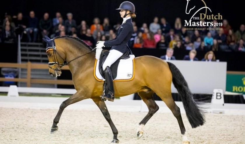 • Tessa van Hemert met Noordhof's Surprise op Indoor Brabant.