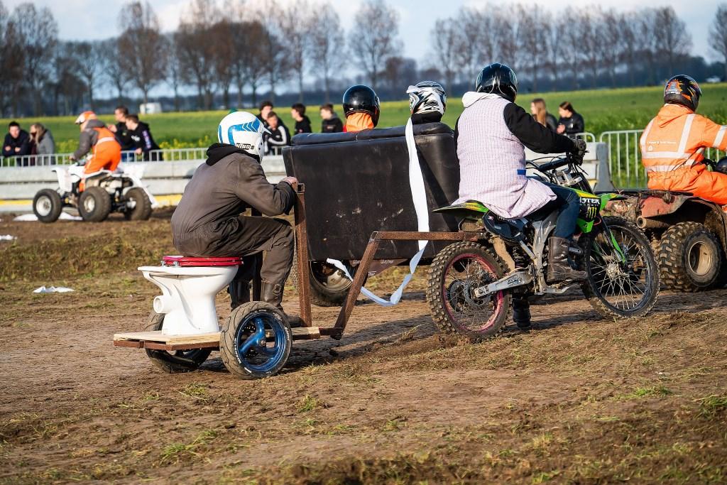 Boerurock Herwijnen de maffe races Foto: Nico Van Ganzewinkel © Leerdam
