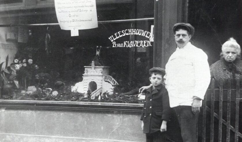 • De familie Van Klaveren had een slagerij in de Lopikerstraat. Jacob en Bertha overleefden de oorlog. Zoon Benjamin kwam om.