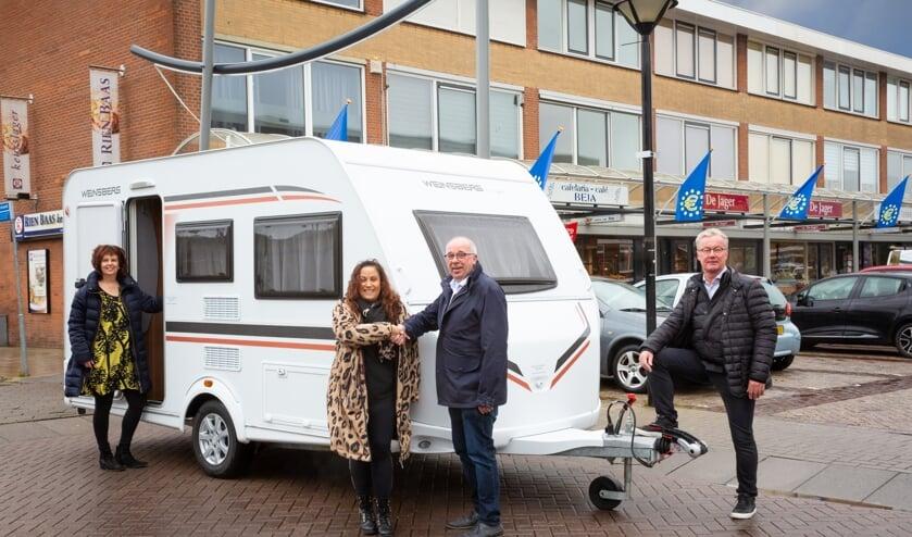 • De caravan werd onlangs afgeleverd in Leerdam.