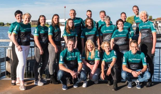 • Groepsfoto van Team Krimpenerwaard in het nieuwe tenue.