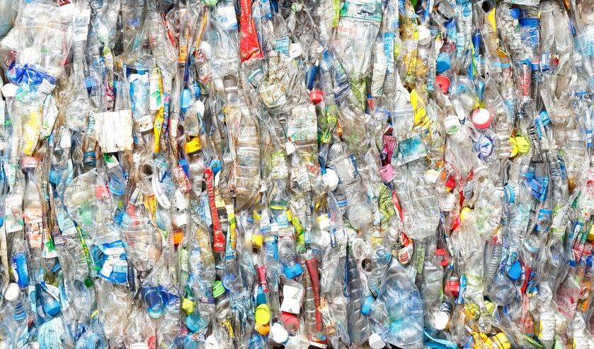 • De motie wil voorkomen dat er steeds meer zwerfafval in het milieu terecht komt.