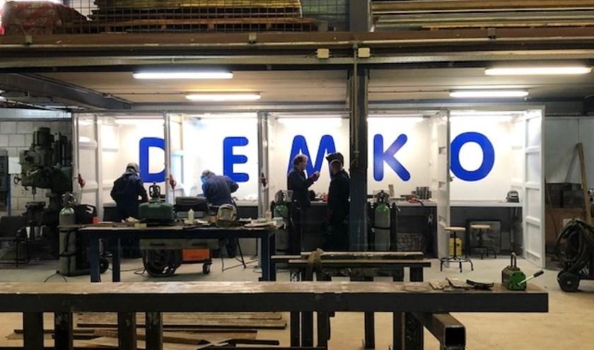 • De laslessen vinden plaats bij Demko.