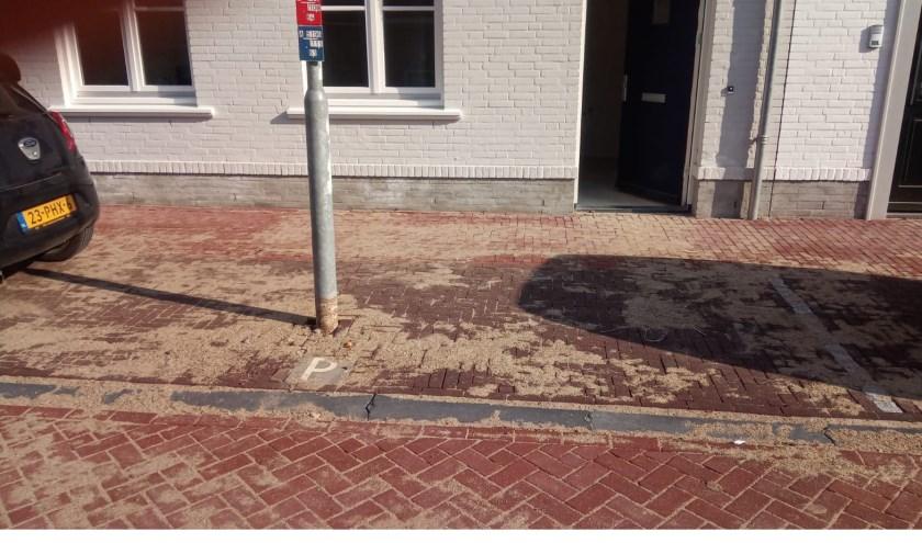 • Het valt niet mee om hier te parkeren.