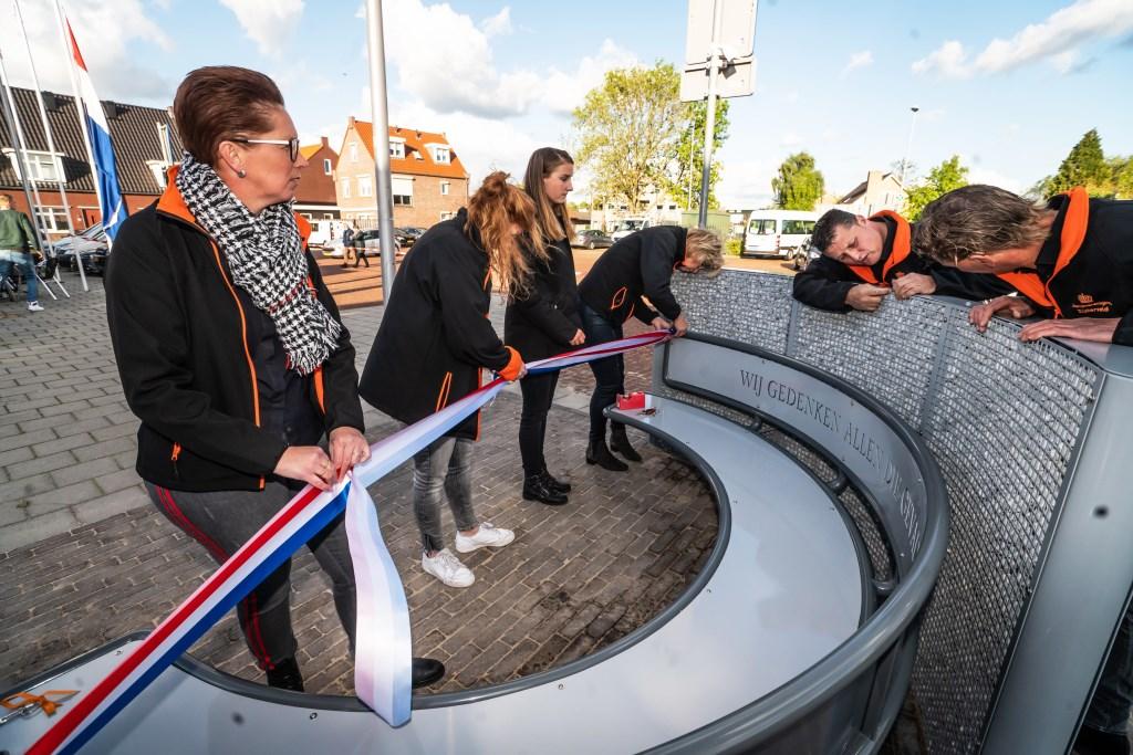 Dodenherdenking met onthulling herdenkingsmonument in Zijderveld  © Leerdam