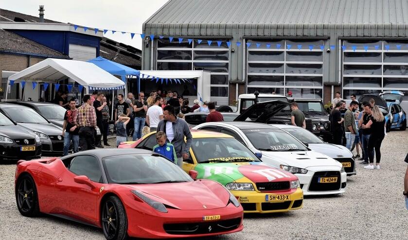 • Cars & Coffee bij Joba Cars.