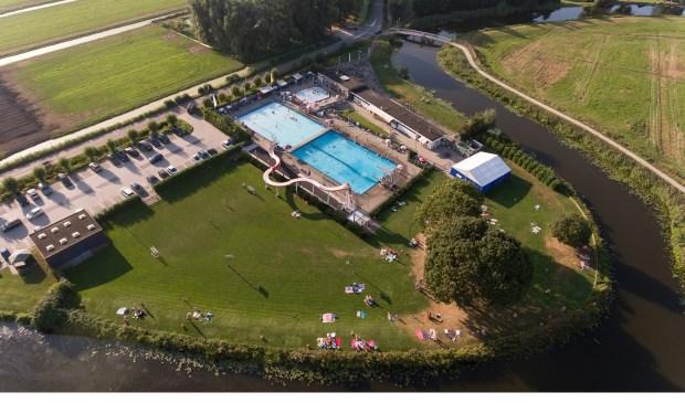 • Zwembad De Loete.
