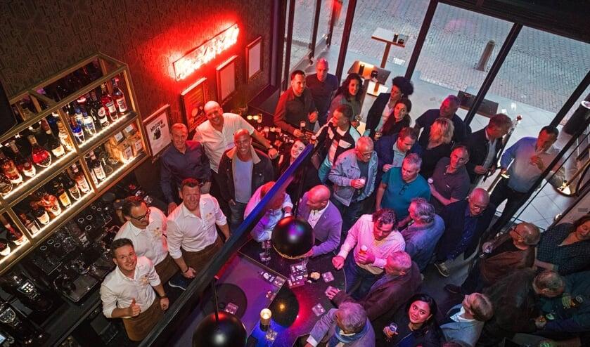 • Bar De Republiek is vanaf vrijdagmiddag 10 mei open. Vorige week donderdag werd proef gedraaid.