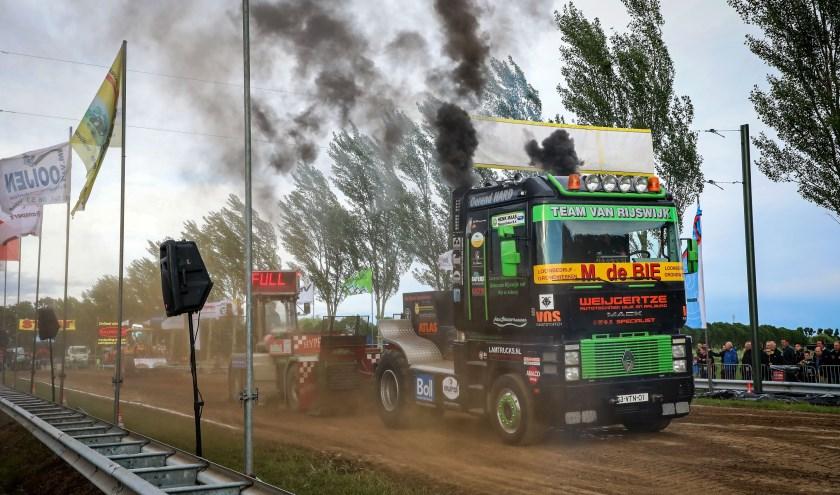 • 12e editie van Truckpulling Nederhemert