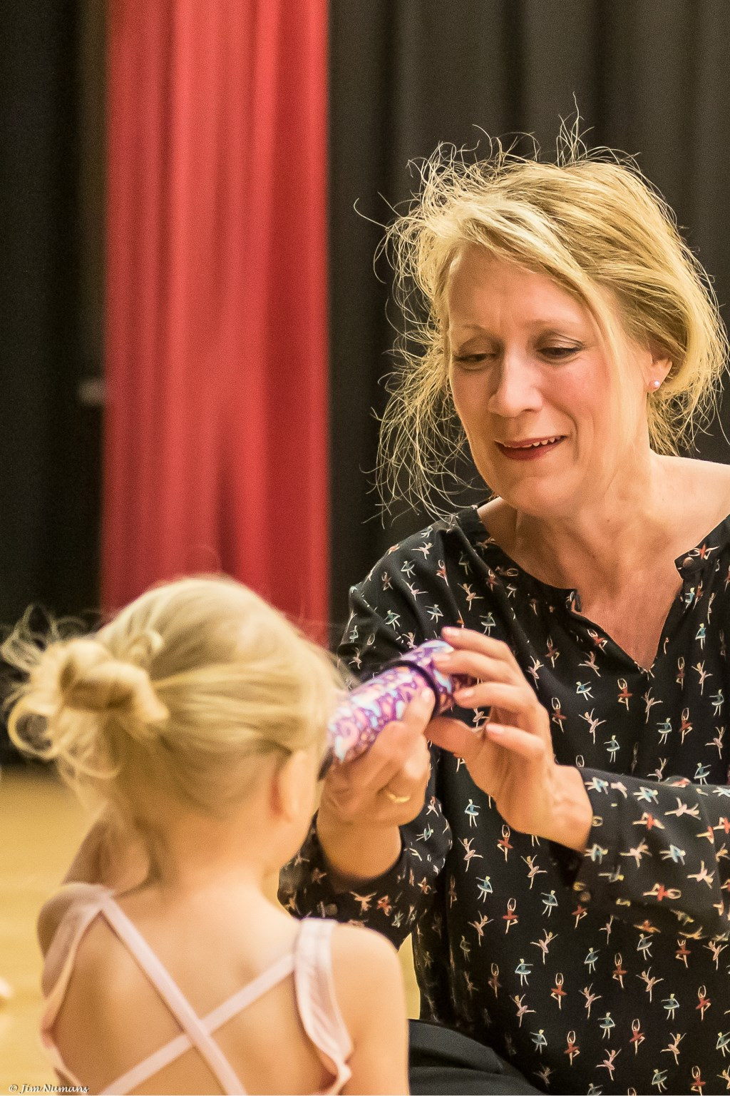 • Mirjam de Haan richtte de balletschool tien jaar geleden op. Foto: Jim Numans © Bommelerwaard