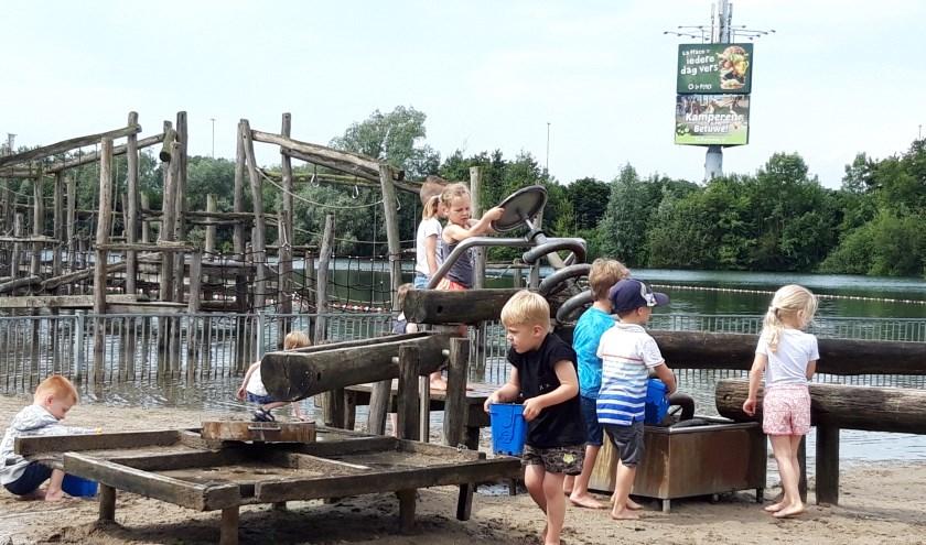 CBS Kon. Wilhelmina bezoekt camping De Rotonde in Enspijk.