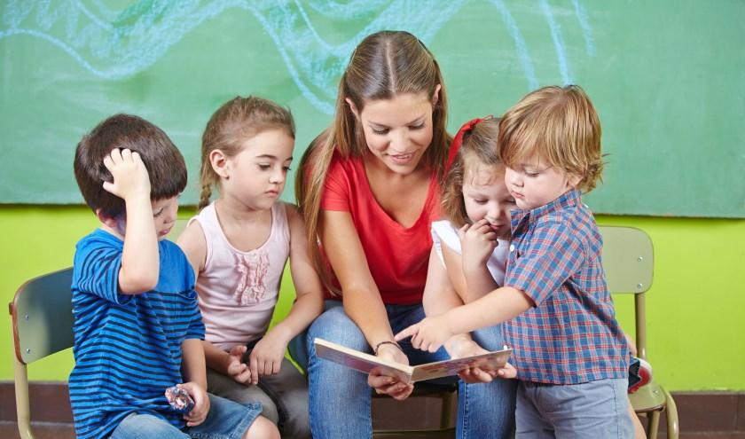 • Door extra uren begeleiding kunnen kinderen hun taalachterstand inlopen voordat ze naar de basisschool gaan.