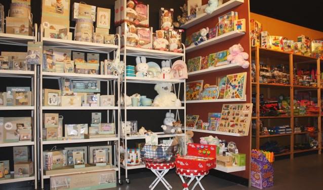 • Er is o.a. ruime keus in kraamcadeautjes en babyspullen.
