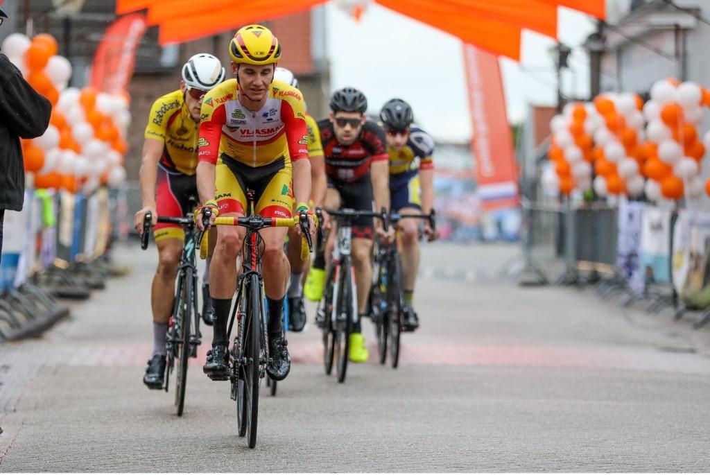 • Kelvin van den Dool klasseerde zich als derde in de Ronde van Giessenburg 2019. Foto: Rick den Besten © Alblasserwaard