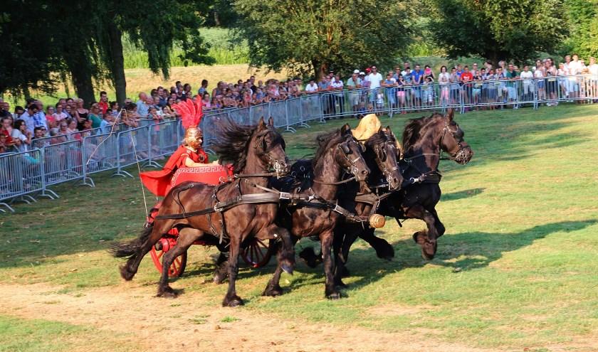 • De Heiblumke Horses stonden vorig jaar op het avondprogramma.