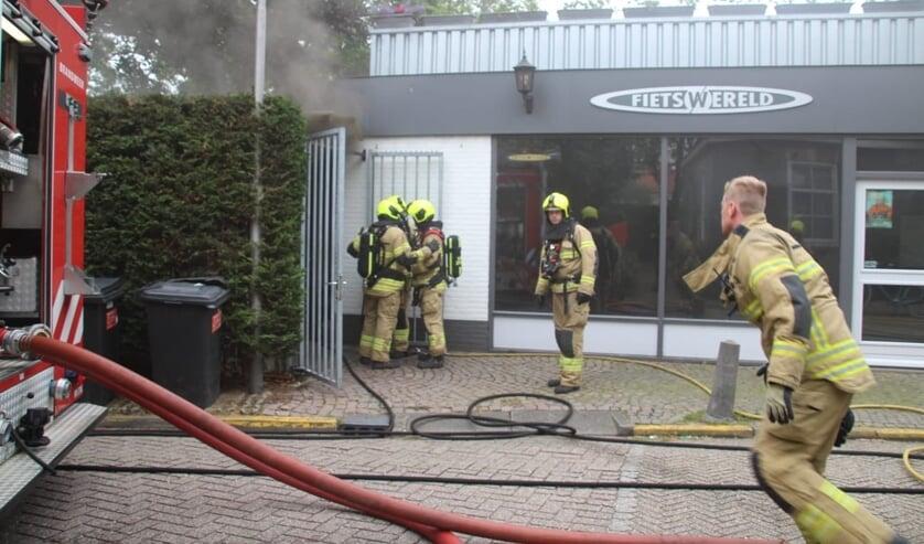 • Brand bij Fietswereld Dekker in Schelluinen.