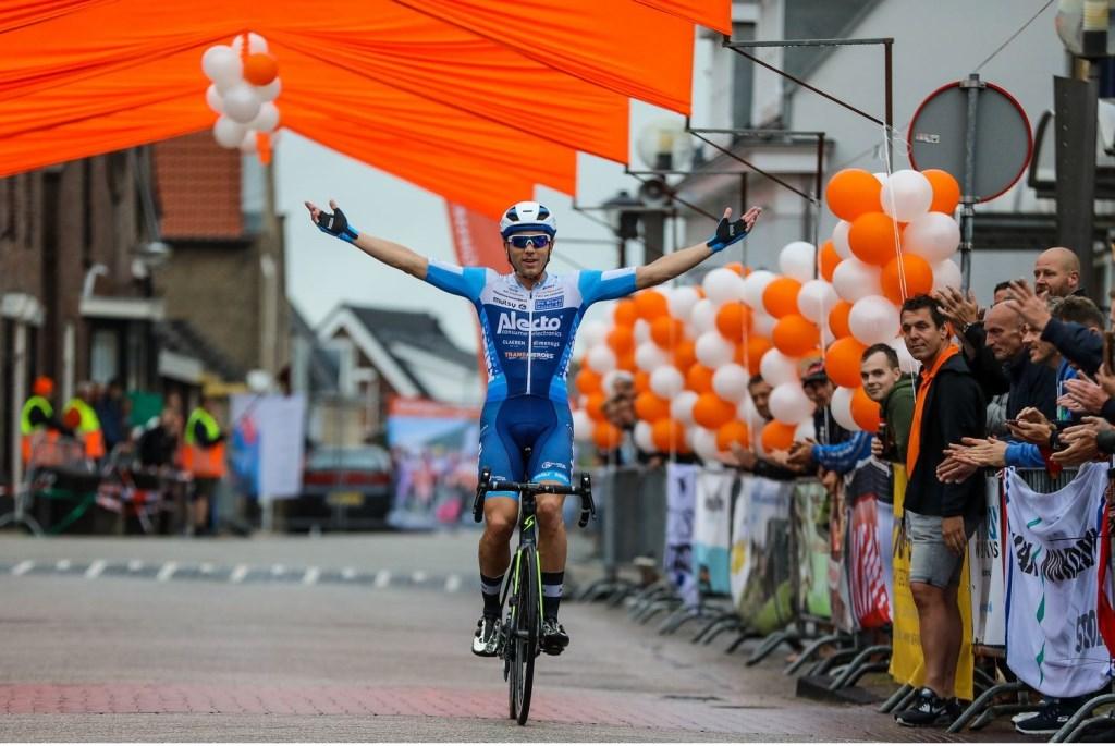 • Op Coen Vermeltfoort stond geen maat in de Ronde van Giessenburg 2019. Foto: Rick den Besten © Alblasserwaard