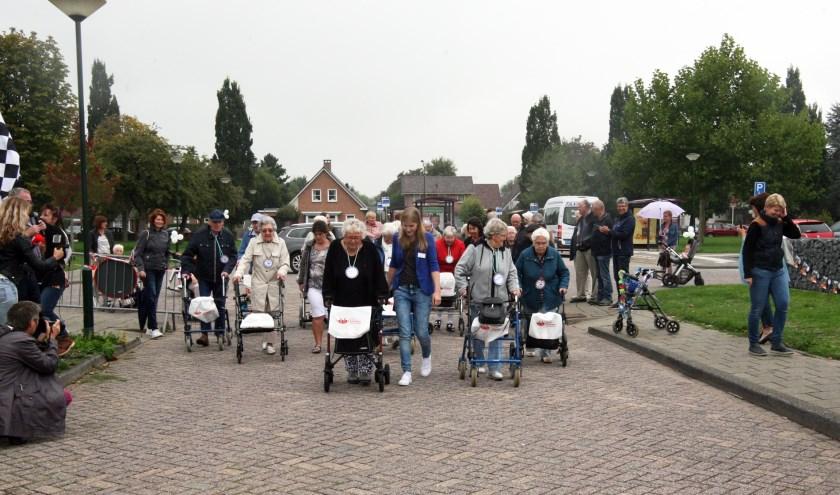 • De eerste editie van de Rollator Race in Altena werd in 2018 gehouden in Almkerk.
