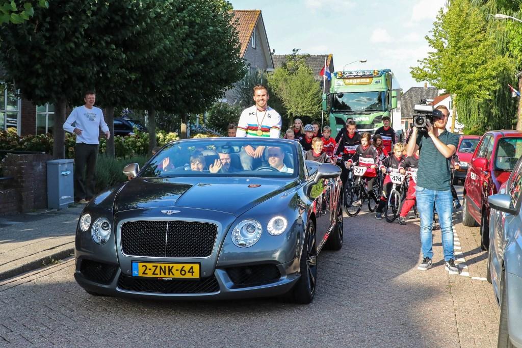 Huldiging Wereldkampioen Twan van Gendt Foto: Lya Cattel © Bommelerwaard