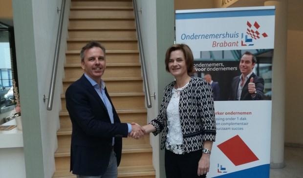 Erik van de Vijver (BlueMinds) en Miranda Kampers (voorzitter Ondernemershuis Brabant) kijken uit naar een vruchtbare samenwerking.  | Fotonummer: 71960d