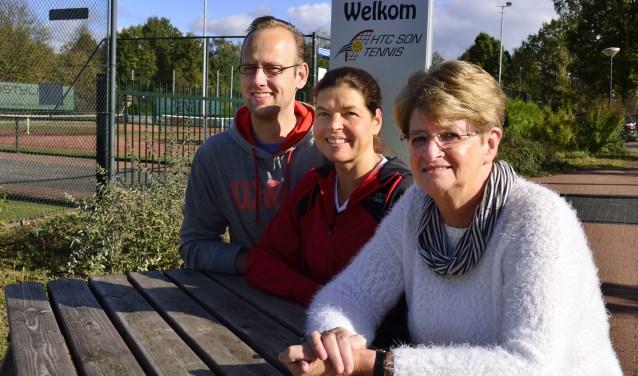 V.l.n.r.: Anton van den Bosch, Pam Verpalen en Wil van der Horst   | Fotonummer: 1c4058