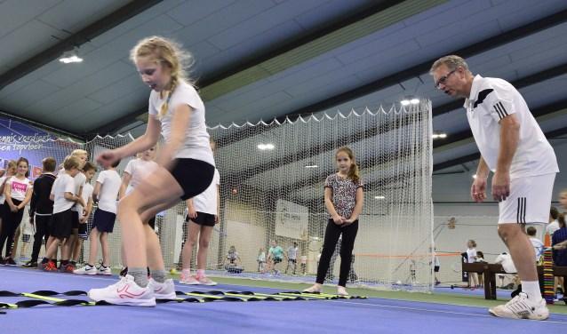 Schooltennis  bij HTC Son Tennis!  | Fotonummer: d67df7
