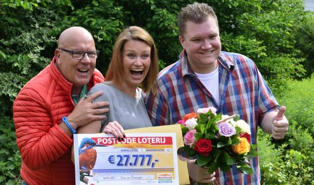 Inwoners Breugel winnen 1 miljoen euro bij de Postcode Loterij   | Fotonummer: 9656bc