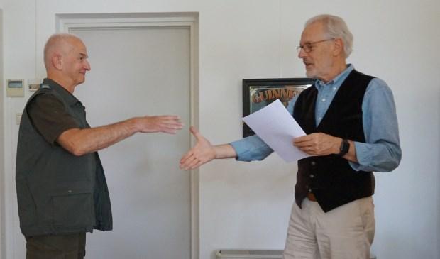 Frans van Wier (links) samen met burgemeester Hans Gaillard  | Fotonummer: 7214e6