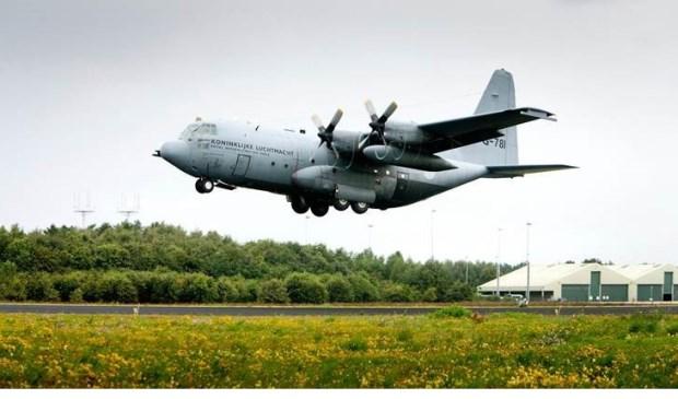 Tactische Nadering C-130  | Fotonummer: ce8c17