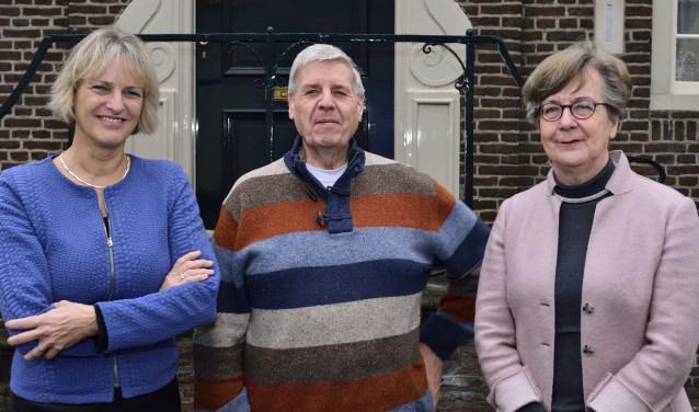 (vlnr) Sylvia Corsten (voorzitter), Kees van den Akker (penningmeester) en Els van Dieten (lid)  | Fotonummer: 17fdc4