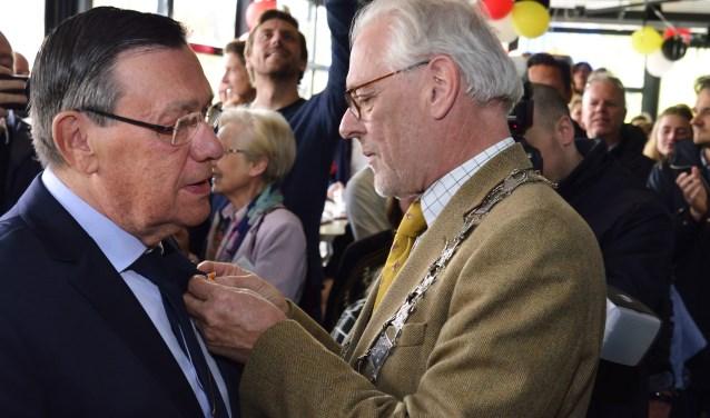 Koninklijke onderscheiding voor Frans van Vught    Fotonummer: 05a58f