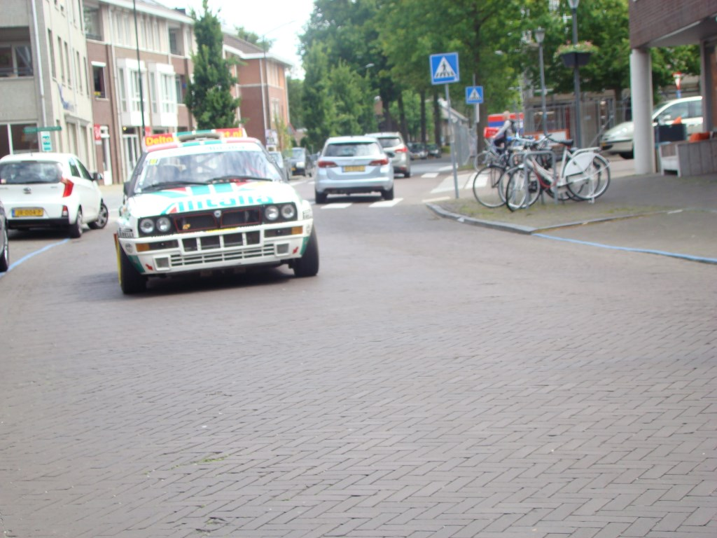 Elle Rally in de straten van  Son en Breugel Foto: Annie Maessen © DeMooiSonenBreugelKrant