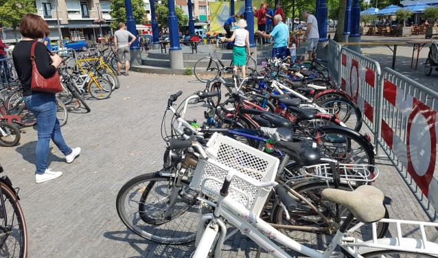 Fietsenmarkt Dutmella (archieffoto)   | Fotonummer: a38ee4